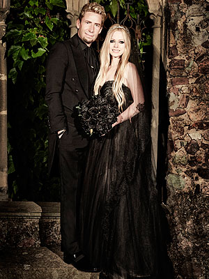 Picture borrowed from: http://img2.timeinc.net/people/i/2013/stylewatch/blog/130722/avril-lavigne-1-300x400.jpg Copyright remains that of the original owner.