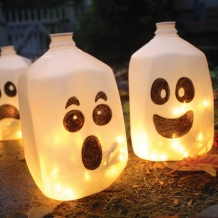 Picture borrowed from: http://static.spoonful.com/sites/default/files/styles/square_218x218/public/photogalleries/spirit-jugs-halloween-craft-photo-420-FF1007TREATA13.jpg?itok=TCnydcmt Copyright remains that of the original owner.